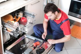 What To Do When Your Dishwasher Is Not Cleaning